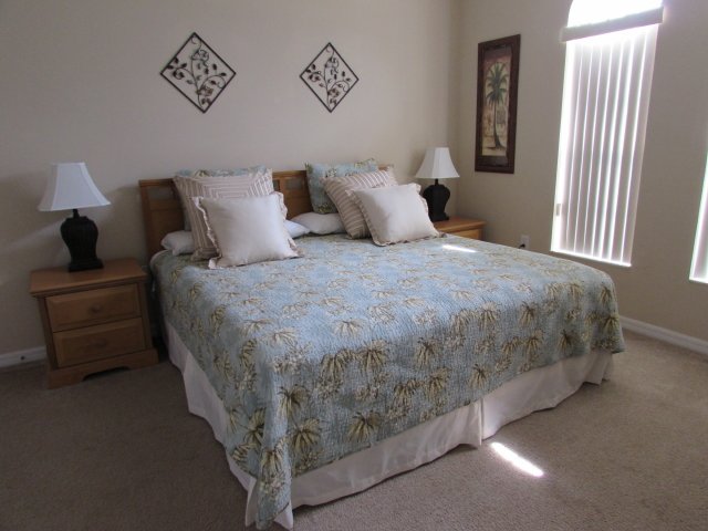 Queen Room Vacation Rental